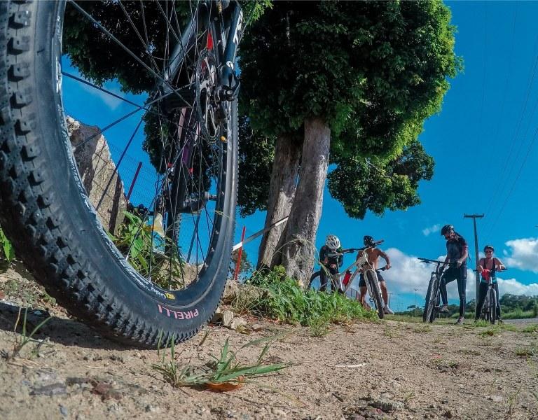 Atividade de ciclismo para  reconhecimento da rota do Circuito Vale do Gramame de Cicloturismo. Imagem foto Thiago Nozzi, disponível no Flickr.